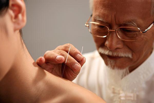 維基百科定義鍼灸為偽科學,為什麼國外還有人做鍼灸治療?