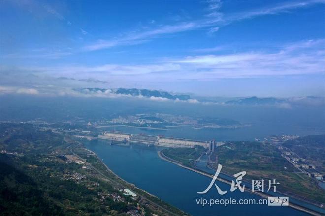 湖北宜昌:仲春三峽景如畫