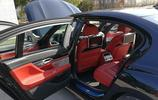 老婆想買輛奔馳S級,老公卻花125萬買輛寶馬740:打開車門卻笑了