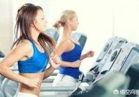 你覺得俯臥撐和跑步相比,哪個更減肥?為什麼?