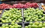 湖北宜昌:超市蔬菜水果琳琅滿目 重慶巫山李子11.8元一斤