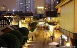 有人說這是世界最繁華的購物街區,但我看到了滿街的成都名片