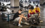 藍翔技校的汽車維修學生