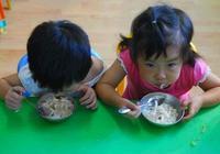 1歲寶寶以後想要長成大高個,除了喝牛奶,這3種蔬菜也不能少
