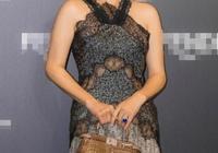 劉嘉玲與泰國范冰冰差26歲,同穿5萬連衣裙,居然美得不相上下?