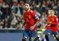 GIF:真神鋒!拉莫斯頭槌破門,西班牙首開紀錄