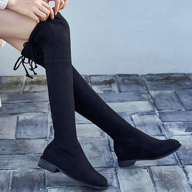 我真不炫耀,下圖的過膝長靴!十雙馬丁靴都不換,顯腿長顯女人味