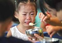 """為什麼積食頻頻找上孩子?這3種飯是背後""""元凶"""",家長要注意"""
