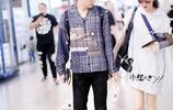 戚薇和李承鉉又現身機場虐狗,李承鉉穿的外套還是戚薇穿過的!