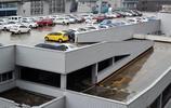 實拍:重慶空中停車場,專為員工開放