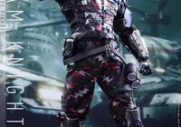 《蝙蝠俠:阿卡姆騎士》角色手辦 紅頭罩現詭異光芒!