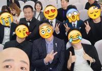 當韓庚鄭愷李易峰黃曉明沈騰一眾男星合影時,你猜誰贏了?