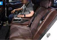 奔馳E與BMW新5空間出色對比