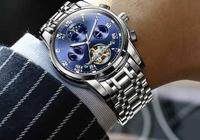 """男人要清楚:手錶戴左手的""""意義""""是什麼,不知道可要出醜了"""
