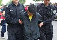12歲弒母的小男孩被釋放了,家屬想讓他上學學校其他家長卻不同意讓他去學校。你怎麼看?