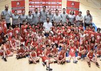 同胞情深!保羅-加索爾發推晒出盧比奧造訪籃球學院的照片