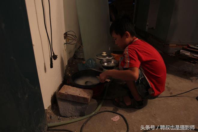 """南京城裡的外鄉人:""""小候鳥""""找爸爸,體驗不一樣的城市暑假"""