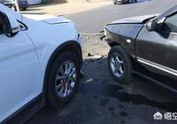 我的車被追尾,現在定損出來了,4s要1w6,對方全責,對方車主讓我找保險公司,讓我墊錢,我要墊麼?