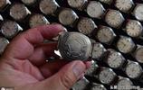 青島80歲老人酷愛鐘錶,家中珍藏1600多塊,只買不賣全捐博物館