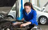 洗車時,發動機艙可以用水沖洗嗎?又掉進了洗車店的坑裡了
