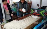 徽州歙縣深渡早市,5毛錢的毛豆腐,吃出大餐的味道