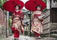 日本女人為什麼那麼喜歡跪著?日本的民族文化真奇怪