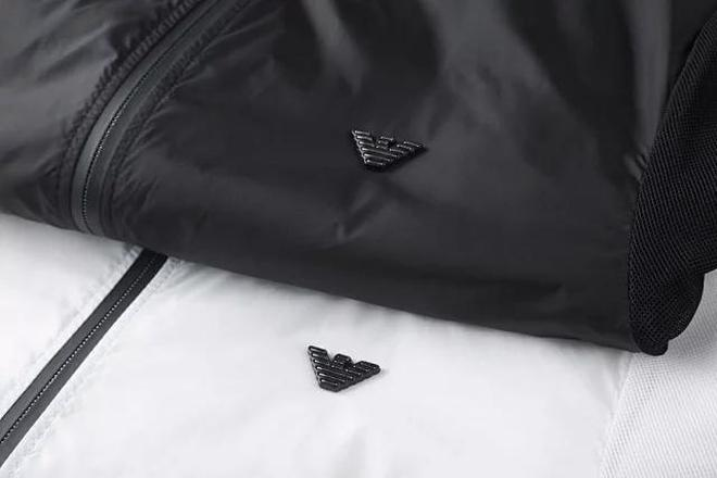 全網最火爆的阿瑪尼風衣夾克上市啦!經典大氣更顯氣質