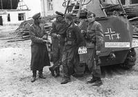 二戰中斯大林格勒戰役有多慘烈?德軍餓到拿不動槍,將軍只得投降
