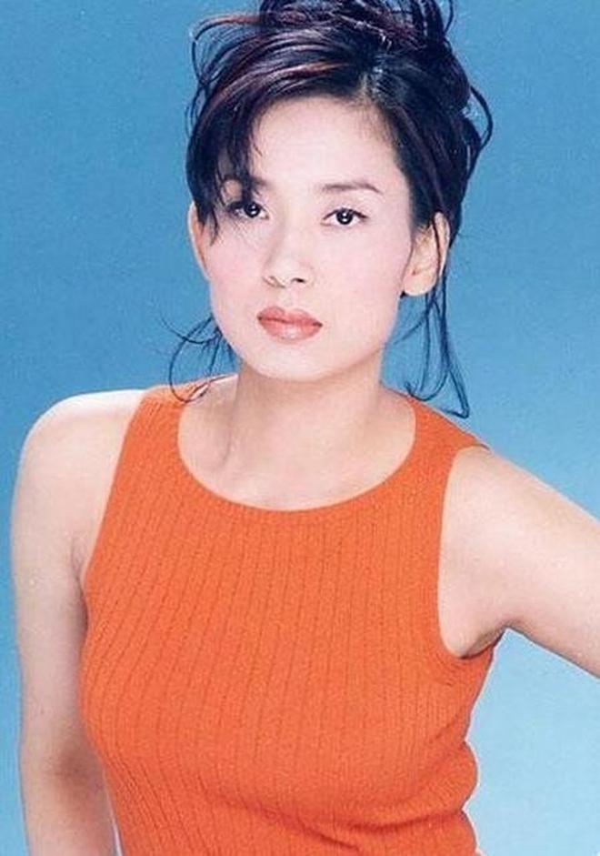 香港藝人-鄺美雲