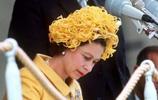 鏡頭下:伊麗莎白二世最尷尬的時刻