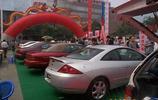 圖片記憶:2000年9月,成都的街頭汽車展銷會