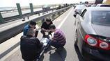 中秋國慶長假,高速堵車的人們,看看他們怎麼打發時間