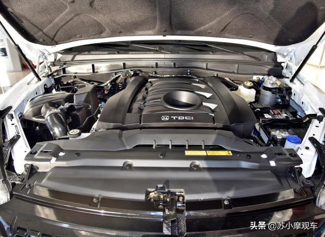 """國產公認的""""硬派越野""""車,前後獨懸加四驅,2.0T動力,油耗12L"""