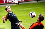 荷蘭國家足球隊舉行訓練為歐冠決賽做準備:球員顏值爆棚
