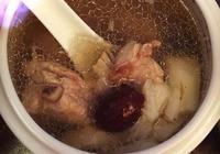 我看到好多美食製作的焯水都是先把血沫打掉在撈出食材再衝涼水洗,為什麼?