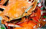 青島普通家庭中秋晚宴 梭子蟹 大蝦 還有一些小海鮮 月餅要個大的