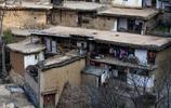 子古村,地處兩州三縣雞犬相聞之地,距瀘西縣城……