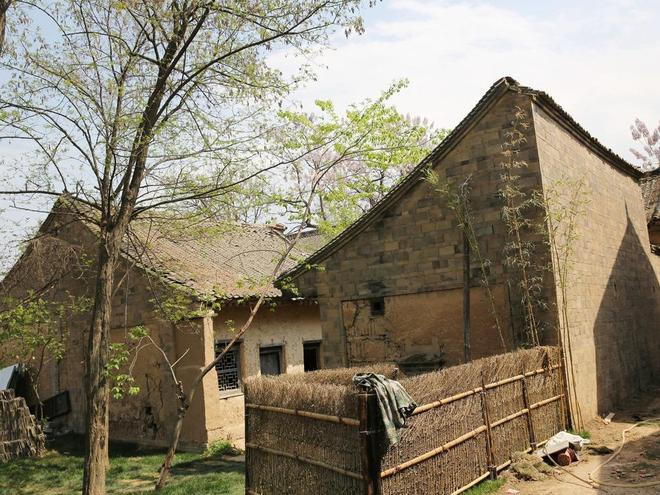 西安棄原古村落塬下建新村,如今廢棄古村落變長安唐村