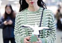 早春穿什麼?韓雪教你用一件針織裙,輕鬆變身清純女神!
