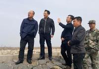 宋振江到向陽鎮就壯大村集體經濟情況進行調研