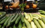 湖北宜昌:超市旱黃瓜9分錢一斤 四季豆1.99元一斤