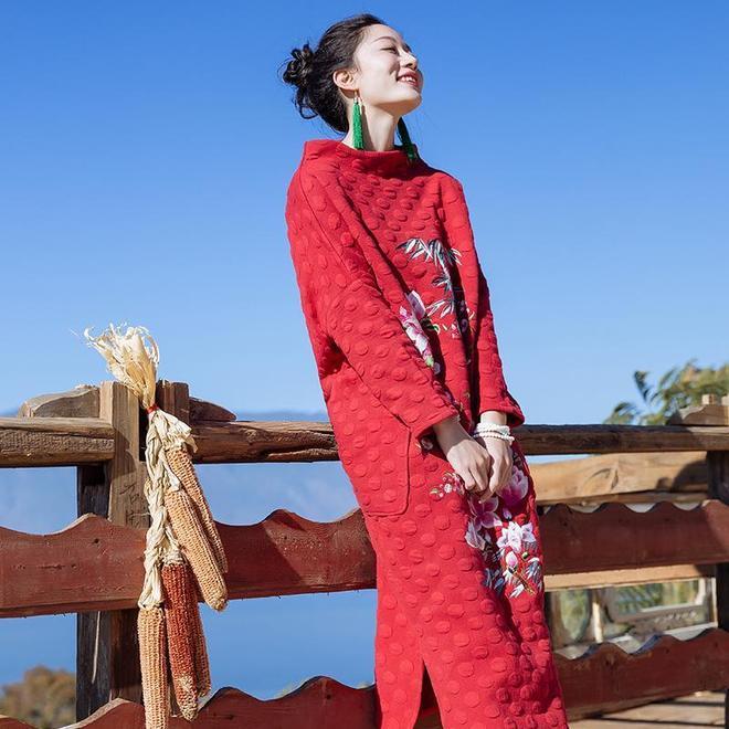 別總穿一貫的現代風,時下流行民族風+復古中國風,讓人眼前一亮