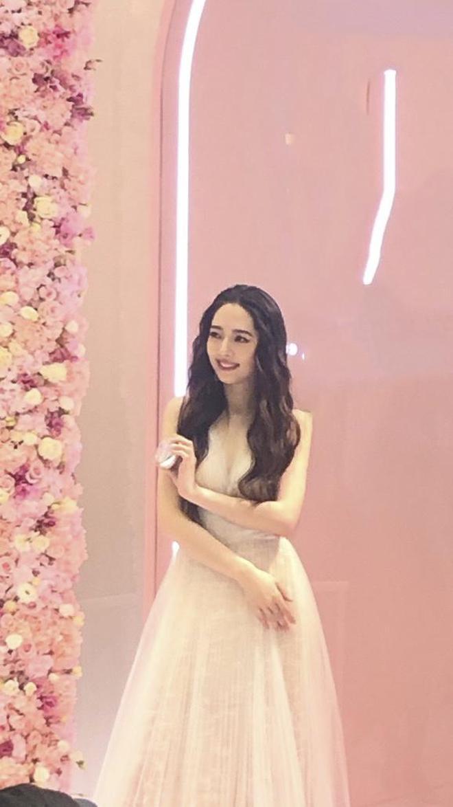 郭碧婷出席活動生圖太美了,果然是仙女啊,你喜歡郭碧婷嗎