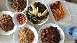 大學同學來家吃飯,一小時做了5個菜有紅燒肉和蝦米,你看行嗎?