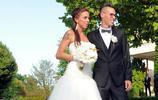 哈姆西克如今已成為大連一方的球員,哈姆西克當年結婚的照片流出