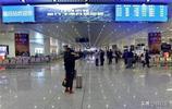 亞洲最大高鐵站,面積有21個足球場大,有36個出口非常容易迷路