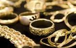 女人戴黃金手鐲,不注意這3點,難怪黃金會越戴越輕
