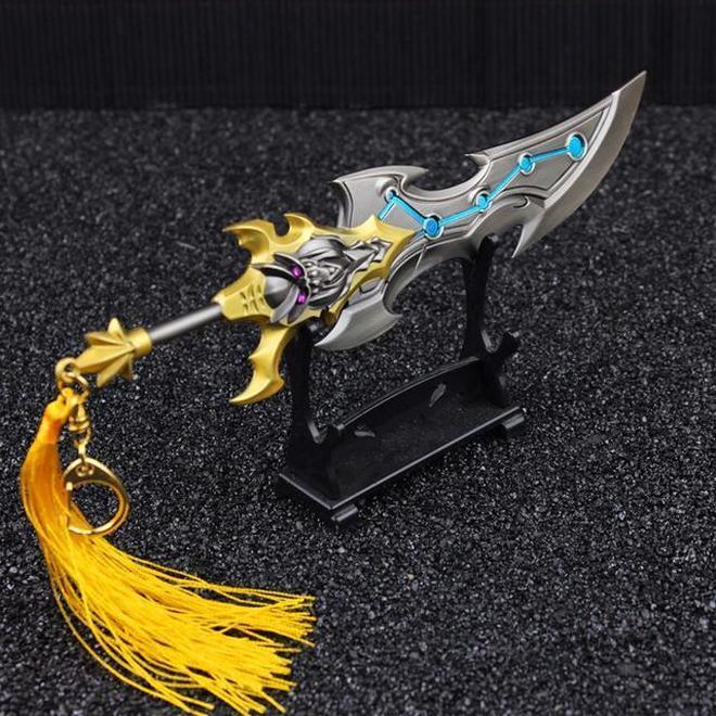 王者榮耀,豈能少了英雄的本名武器,只有我覺得曹操的武器最帥麼