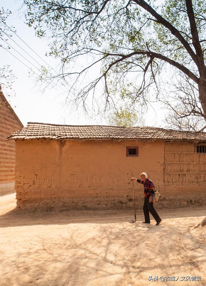 河南大娘46歲守寡,獨自一人撫養大4個孩子,28年後她過得怎麼樣