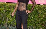 奧斯卡女主角 哈莉·貝瑞出席慈善活動,51歲還是那麼時尚!